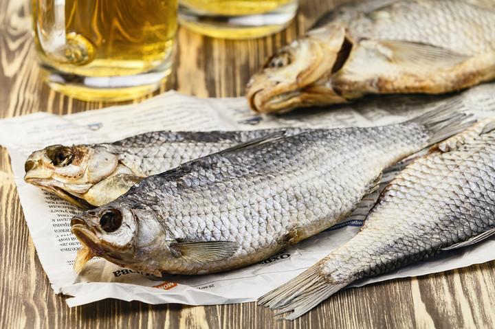 Любимое занятие на досуге – вялить собственноручно выловленную рыбу и устраивать пивные праздники для закадычных друзей. Астраханская область.