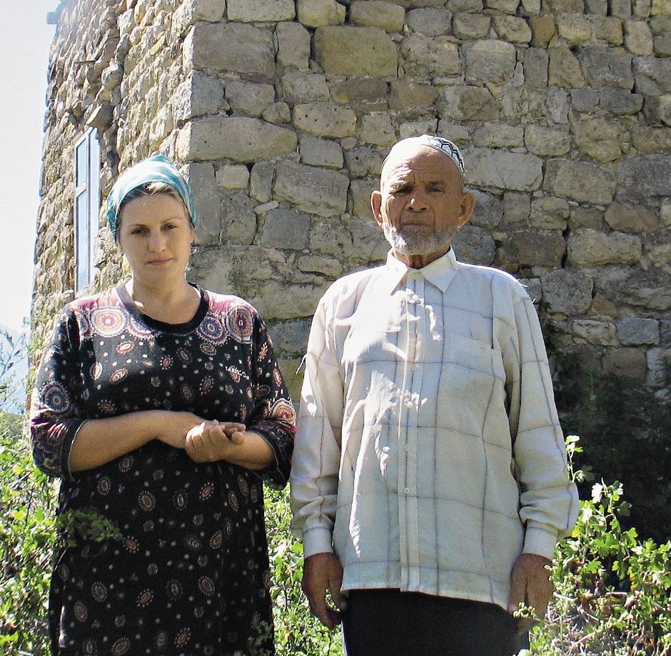 Алихан Евлоев уверен : 83 года – совсем не препятствие, чтобы жениться. Особенно если живешь в собственной родовой башне.
