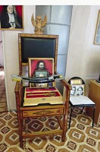Эти «исторические» экспонаты в Ныробе сделаны современными ЗК.