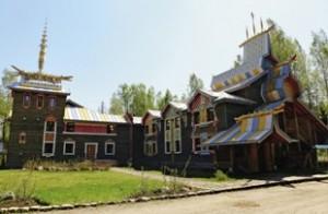 Гостиница напоминает боярский терем 17 века.