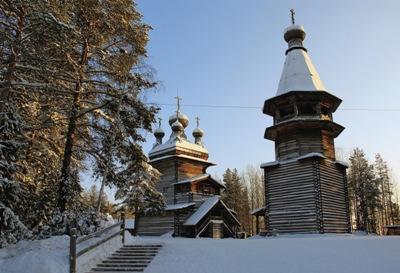 Деревянные храмы Пинежья немногим уступают своим собратьям из Кижей