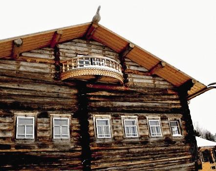 Малые Карелы,  Пинежский за-поведник. Такие деревянные дома есть только здесь.