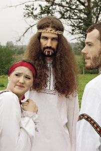 Участники фестиваля«Сетомаа.  Семейные встречи» удивляют и талантами, и внешним видом.