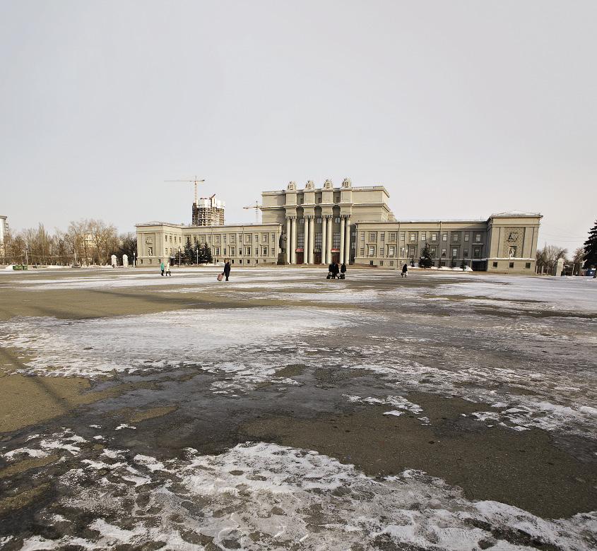 Самарский Академический театр оперы и балета располагается на самой большой площади в Европе.