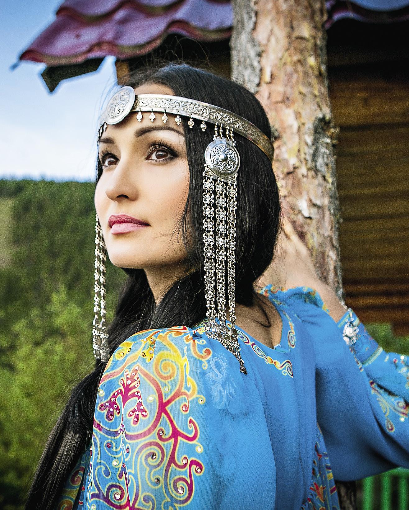 devushki-yakutki-krasivie-foto