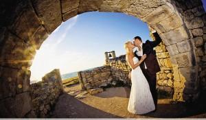 Вечный союз скреплен поцелуем в крепости древней Тавриды...