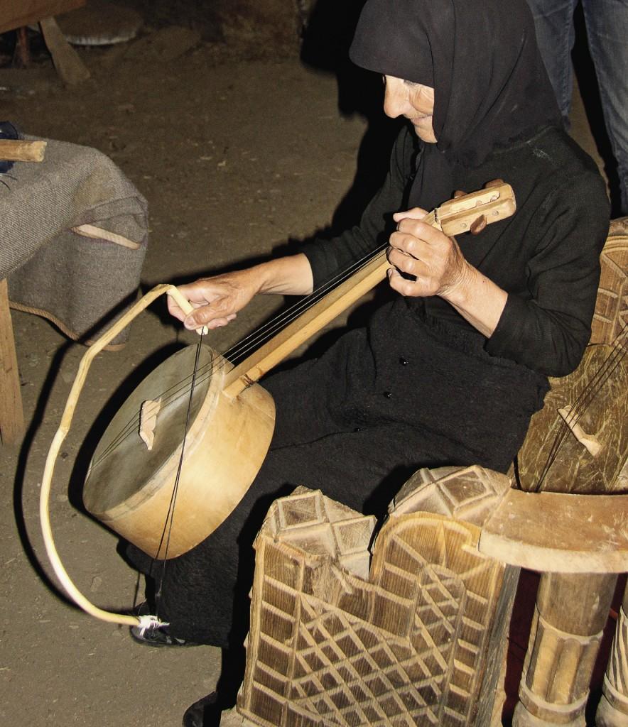 Чунири – традиционный грузинский музыкальный инструмент.