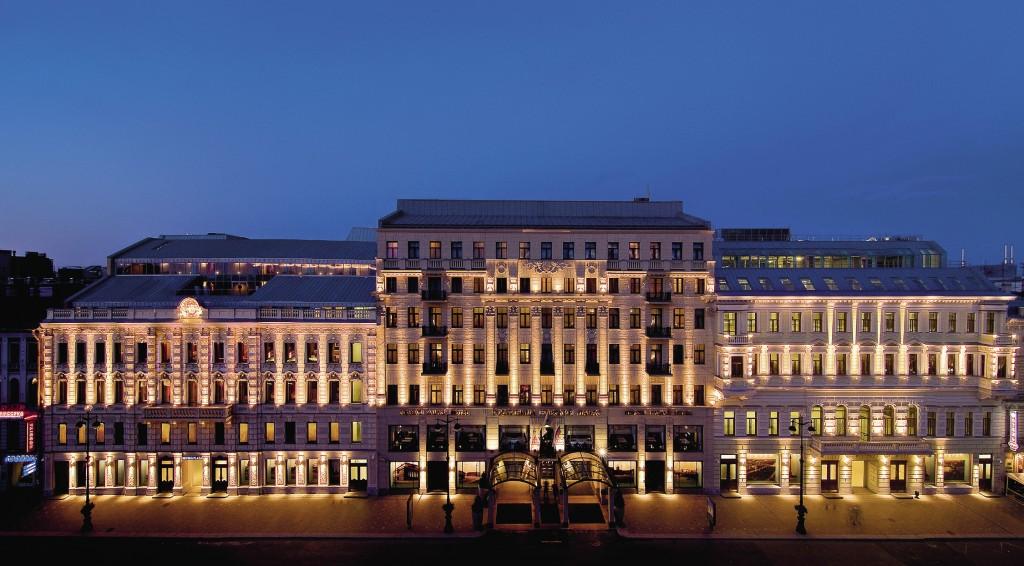 «Коринтия» расположена в самом сердце Петербурга – на Невском проспекте.