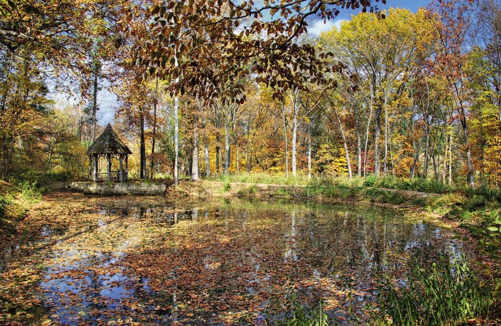 Здешние озера словно сошли со сказочных картин Васнецова.