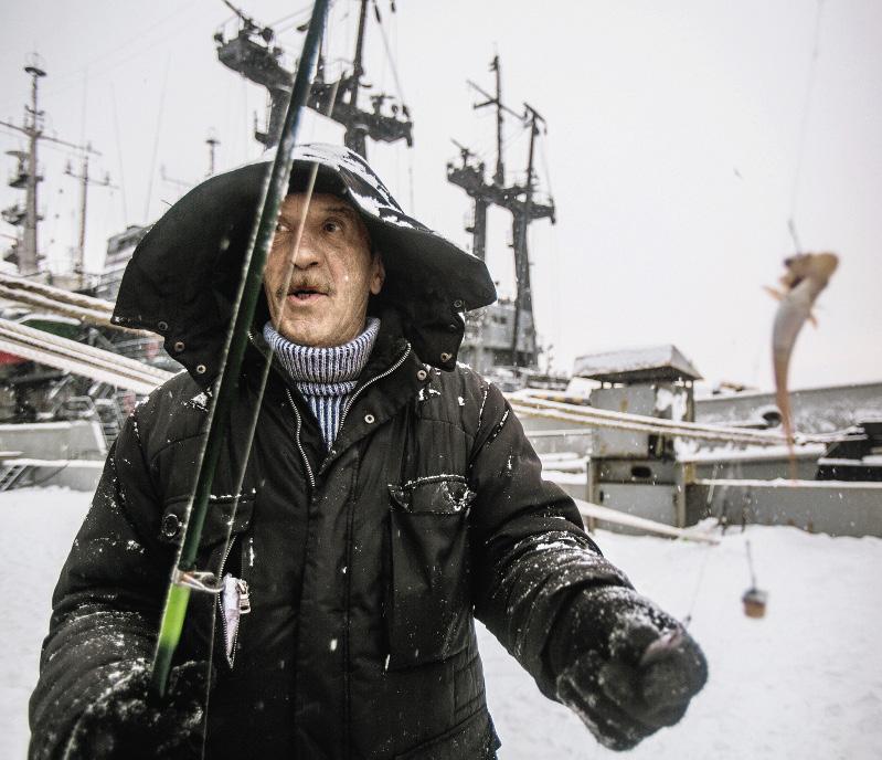 В самом сердце Северного флота – Североморске, который находится неподалеку, рыбаки не могут похвастать таким богатым уловом.