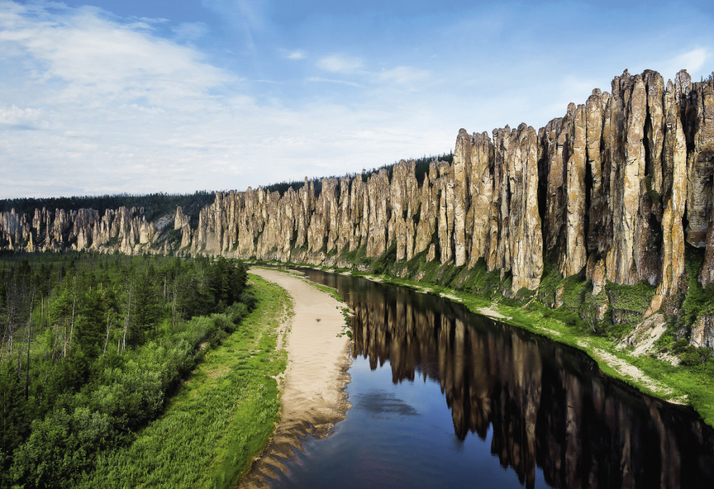 Знаменитые Ленские столбы в Якутии входят в Список Всемирного наследия ЮНЕСКО.