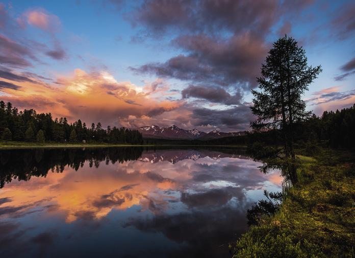 В межгорных долинах Алтая первые люди поселились полтора миллиона лет назад.