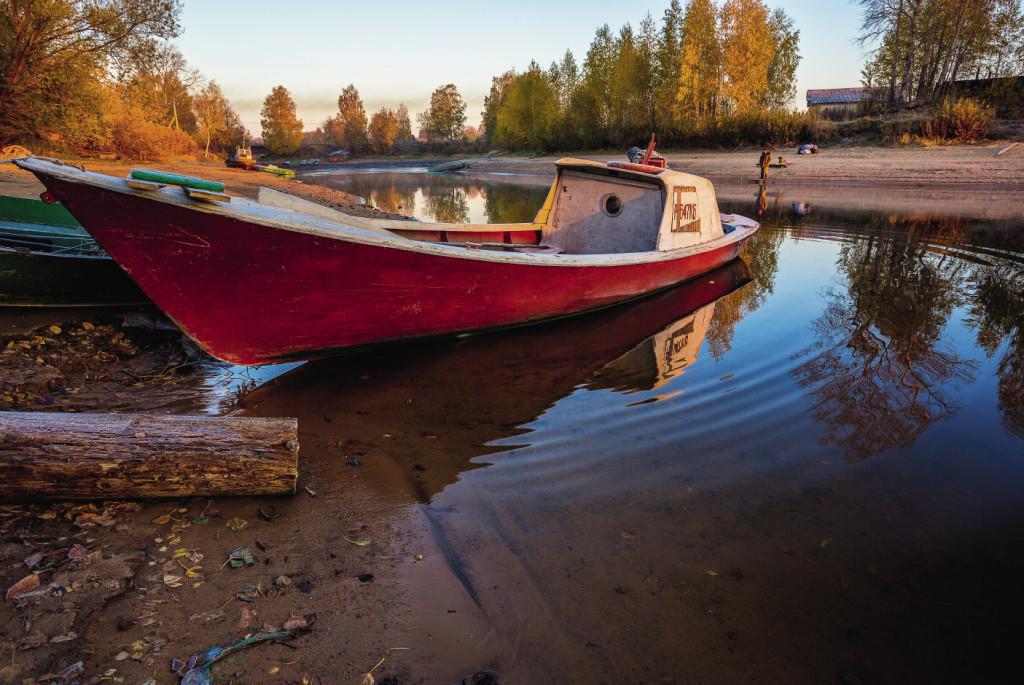 Хозяева лодок всегда с радостью отвезут вас на прогулку или рыбалку.