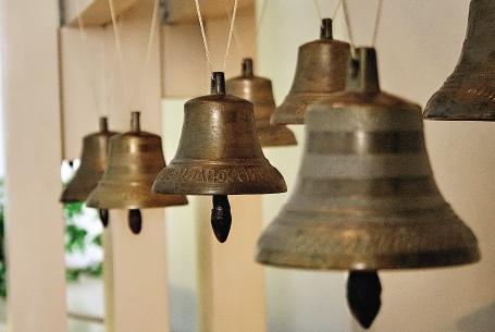 Здесь вам расскажут, чем валдайские колокольчики отличаются от касимовских.