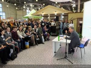 Губернатор Алтайского края Александр Карлин на встрече с журналистами