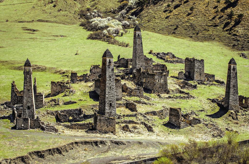 Башенный комплекс Таргим – одно из древнейших селений горной Ингушетии. Он находится в заповедном Джейрахском районе республики, в Таргимской котловине, на правом берегу реки Ассы. Республика Ингушетия
