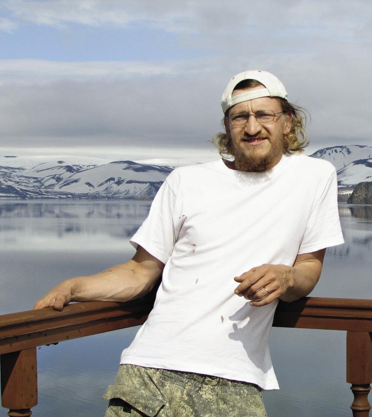Иван с радостью вспоминает работу волонтером на озере Курильском.