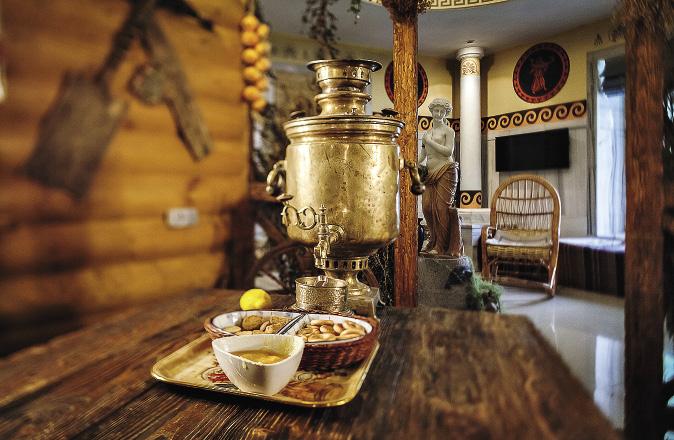 На гольф-курорте «Москоу Кантри Клаб»в Нахабине есть уютные уголки в русском стиле. Московская область
