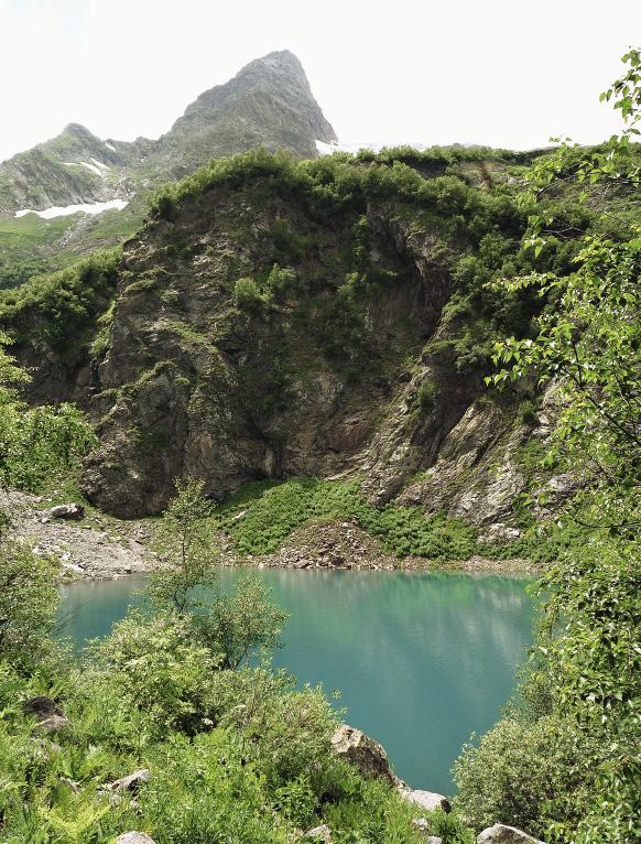 В Тебердинском заповеднике более сотни ледниковых озер. Волгоградская область