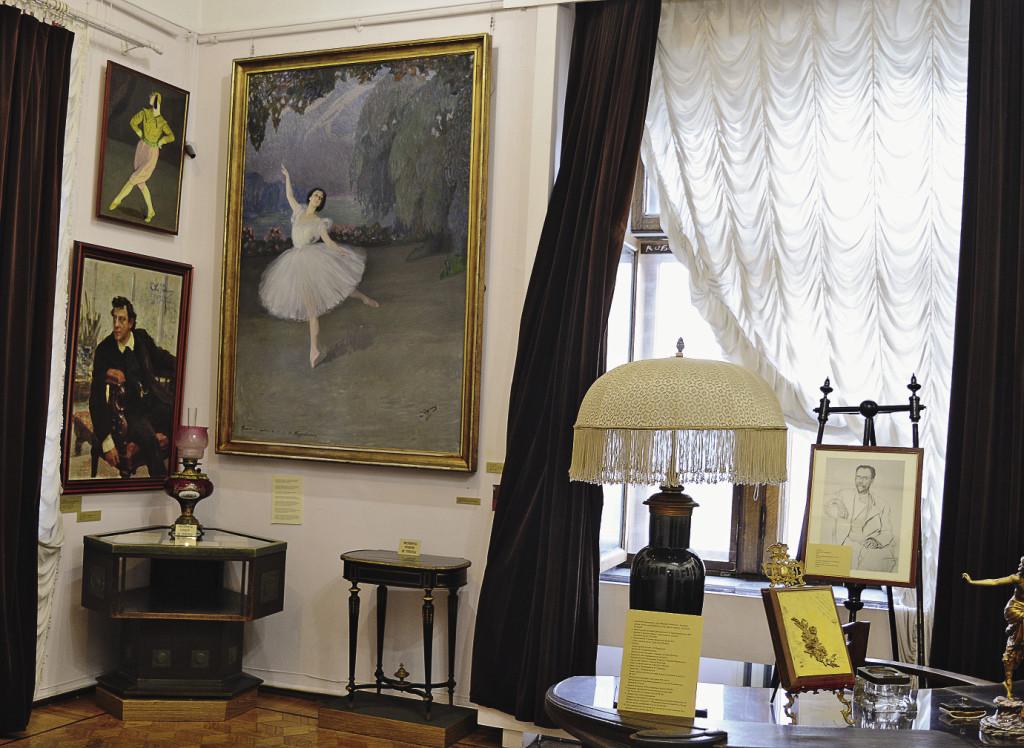 Рабочий кабинет московского купца превратился в музейный зал ещё при жизни владельца. Москва