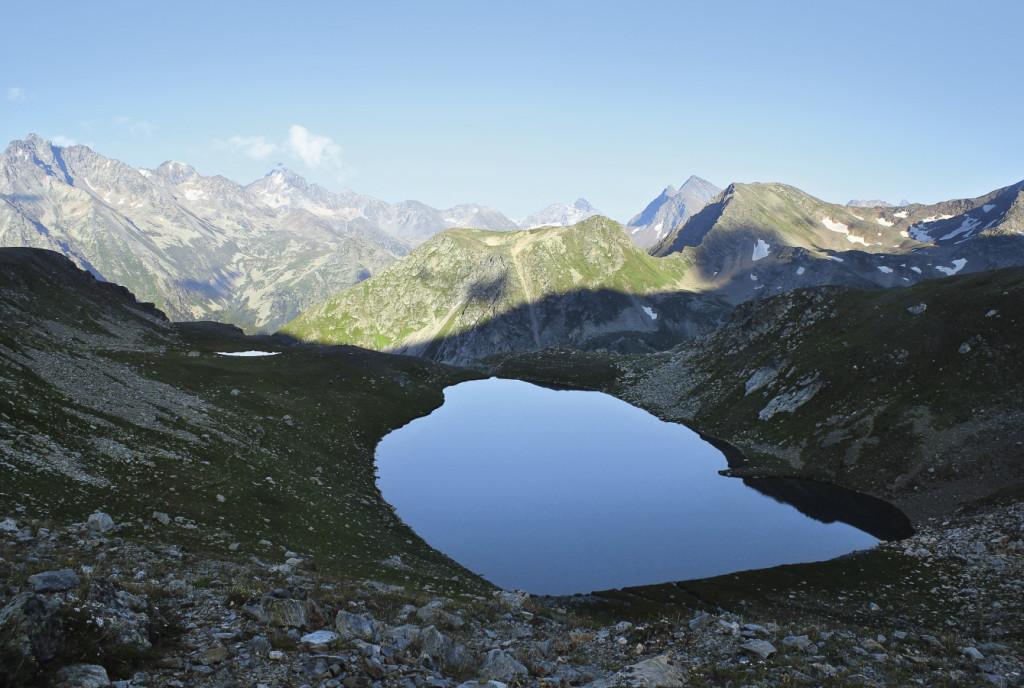 Муруджинские озера – самые большие в заповеднике. Но сейчас они находятся в «зоне покоя» - обычным посетителям в эти места вход запрещен. Карачаево-Черкесия