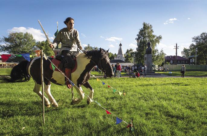 У профессионального богатыря должен быть конь с хорошей маневренностью! Ярославская область