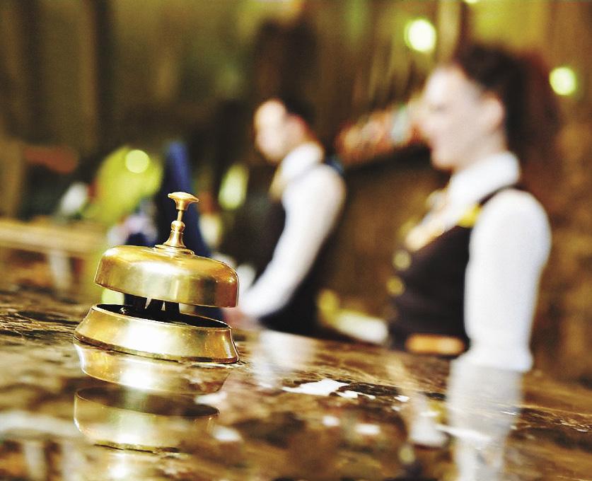 В хорошем отеле персонал удовлетворяет все просьбы постояльцев и при этом не докучает навязчивостью. Москва