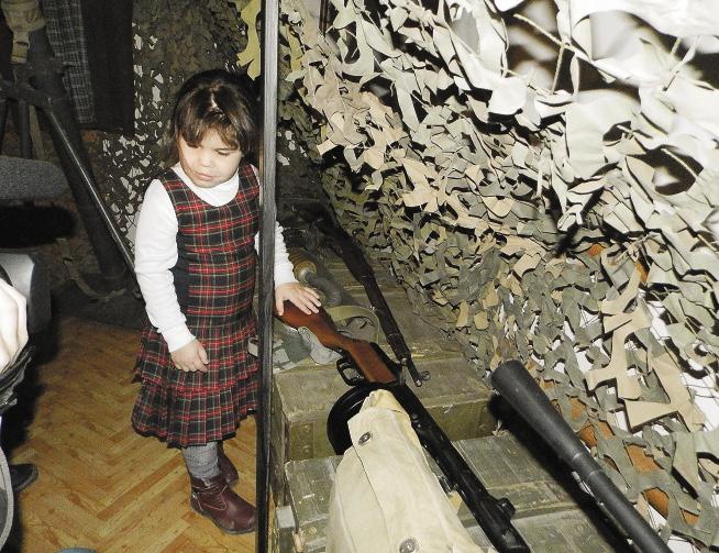 В музее-бомбоубежище все можно трогать руками. Позволяется и слазить в подземный ход. Волгоградская область