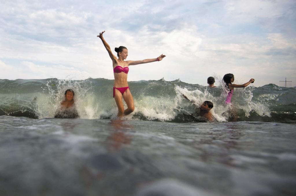 Депутаты продолжают биться над тем, чтобы снизить цены на отдых на Черноморском побережье Кавказа и в Крыму. Пока безрезультатно… Крым