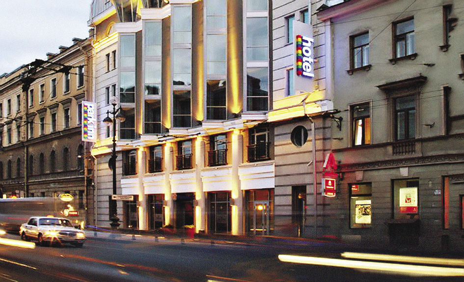 В крупных городах России появилось достаточно гостиниц известных зарубежных брендов, на которые можно равняться. Москва