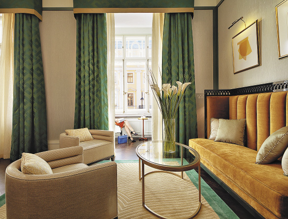 Дизайн люкса «Малевич» навеян геометрическими формами и смелой цветовой гаммой художника. Санкт-Петербург