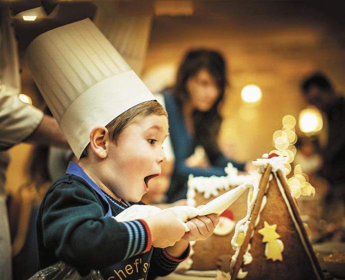 В декабре в отеле проходит детский мастер-класс по украшению пряничных домиков.. Санкт-Петербург