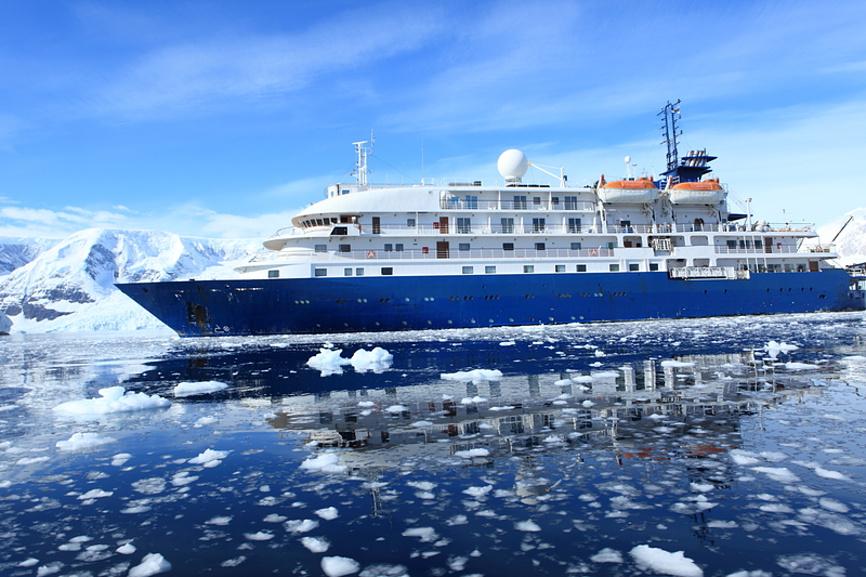 winter cruise arctic polar cruiser