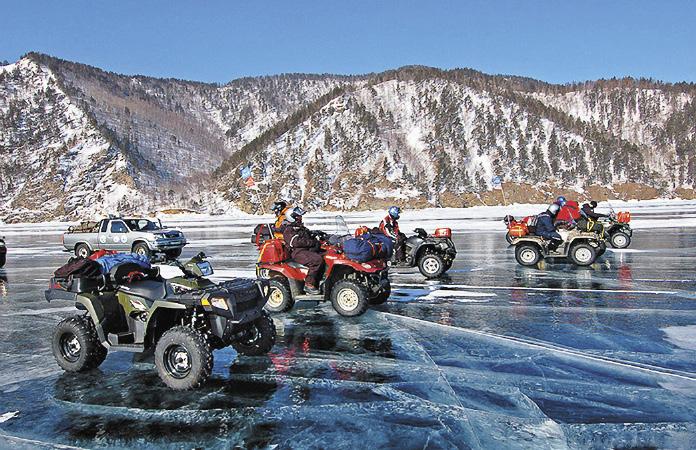 Катание на квадроциклах по льду Байкала – для настоящих экстремалов.