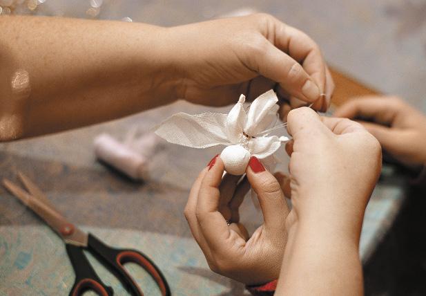 Мастер-класс по созданию рождественского ангела в Центре народных художественных промыслов и ремесел «Резной Палисад».