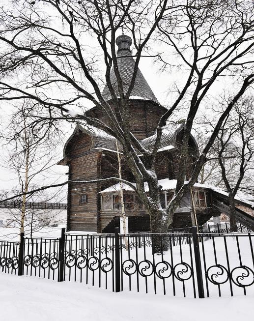 На территории Спасо-Прилуцкого монастыря в Вологде.