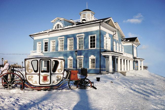 Историко-этнографический музей «Усадьба Гальских» приглашает на увлекательную экскурсию в барский дом.