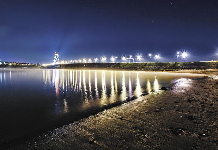 Октябрьский мост через реку Шексну – первый вантовый мост, построенный на территории России.
