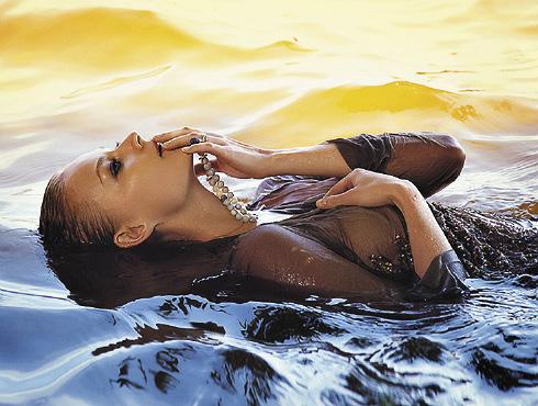Актриса снялась в фотосессии для «L`officiel Central Asiа» в образе русалки.