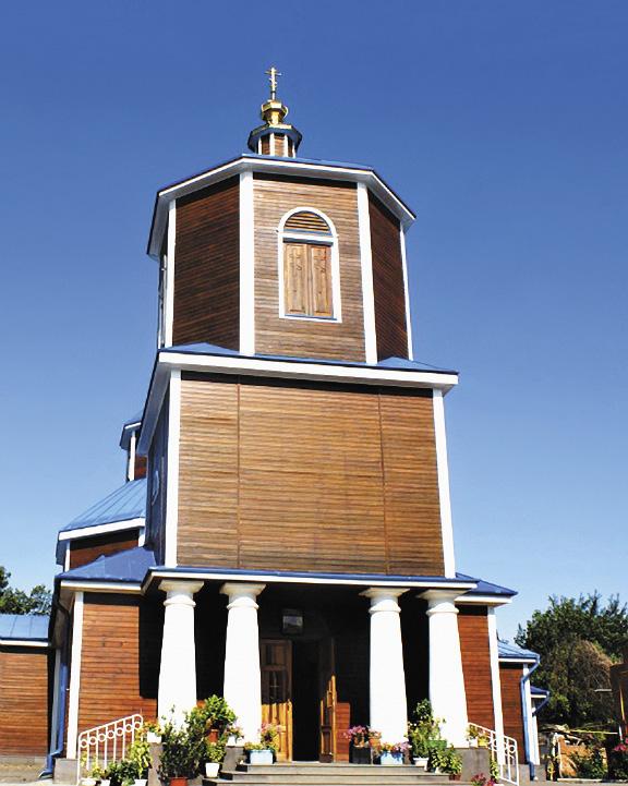 Одна из старейших церквей края была построена из дубового сруба без гвоздей.
