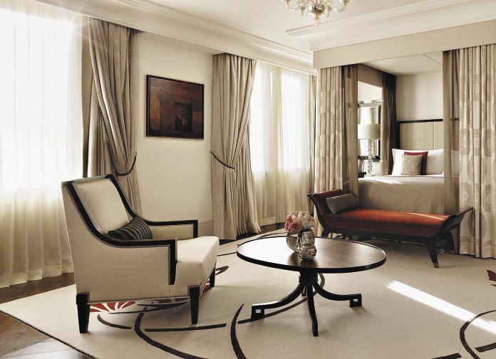 Одна из трех спален президентского номера «Минин».