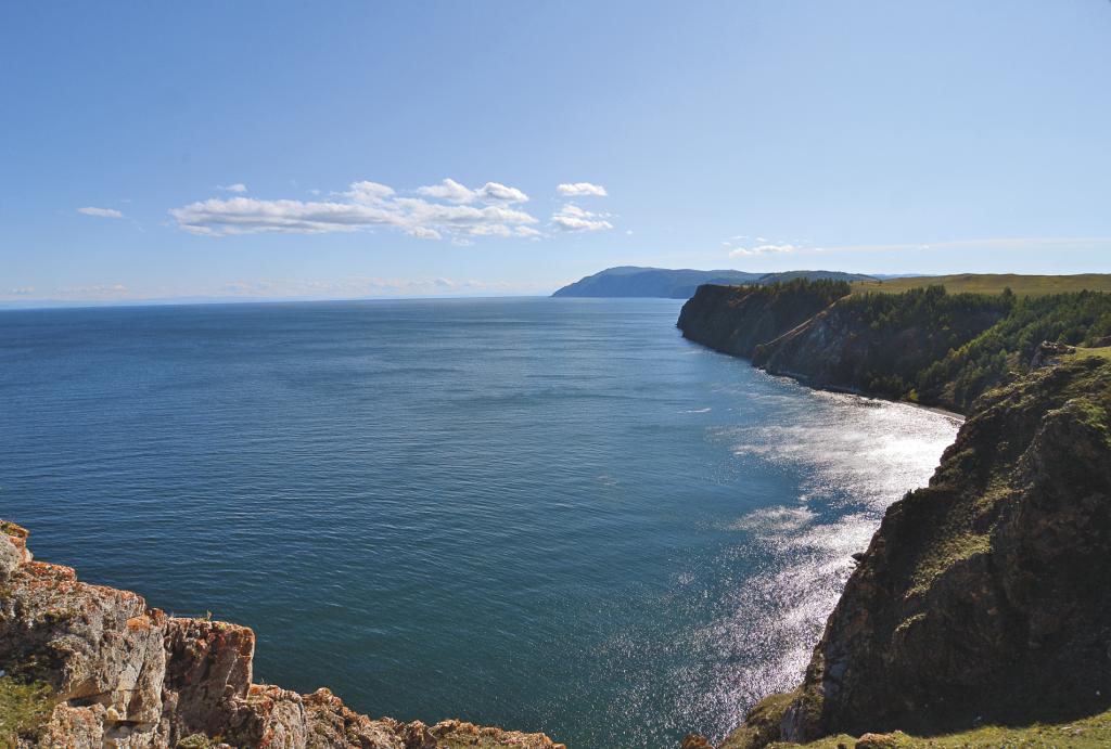 Вид на Байкал с предмысья Хобоя – самое широкое место Байкала.