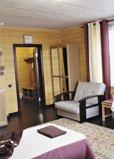 В гостиничном комплексе есть 12 просторных апартаментов и два люкса.