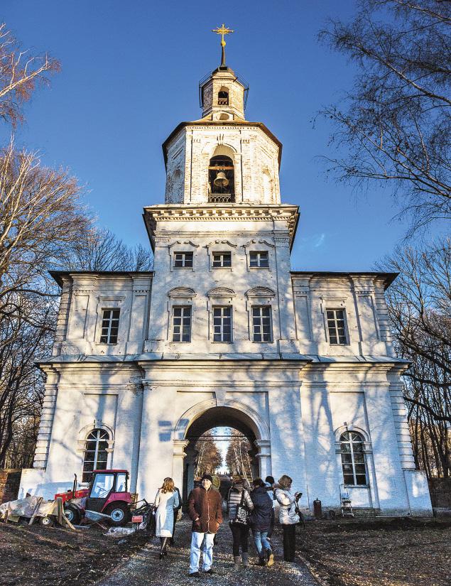 Колокольня в Богородицке поражает своим величием, но требует ремонта.