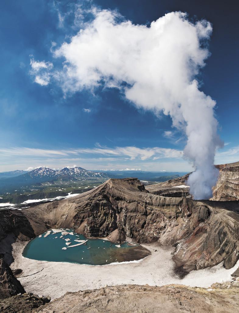 Вулкан Горелый. Где «живут» огнедышащие годы, там обитают и гейзеры, которые иногда называют «чудо Земли».