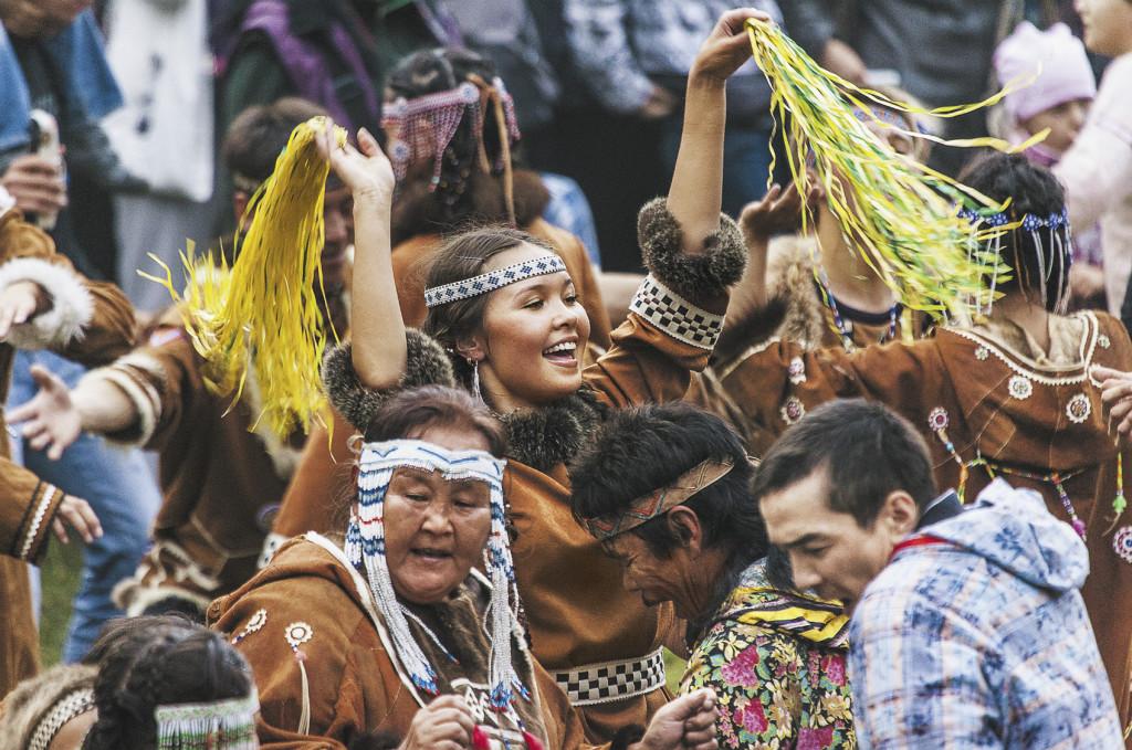 «Алхалалалай» – это древний обрядовый ительменский календарный праздник, знаменующий завершение хозяйственного цикла. Туристы со всех стран мира специально едут именно на «Алхалалалай».