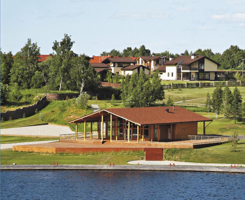 Домик на берегу водохранилища – отличный объект для инвестиций.
