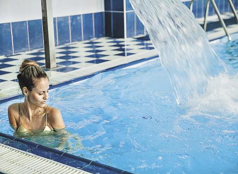 Самый большой крытый бассейн с джакузи в Белокурихе.