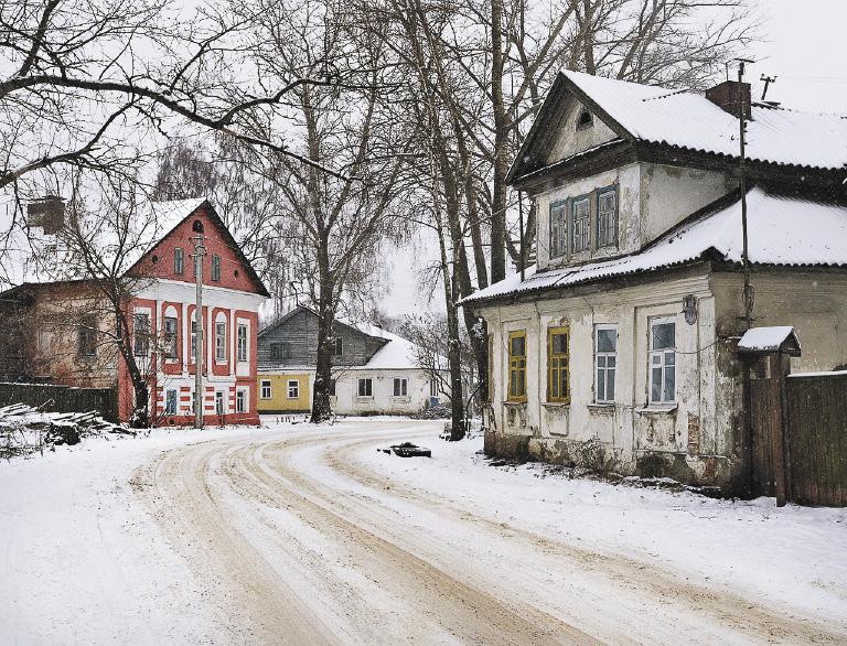 У зимнего Осташкова особое очарование: того и гляди из-за поворота появится не автомобиль, а конная тройка с бубенцами.