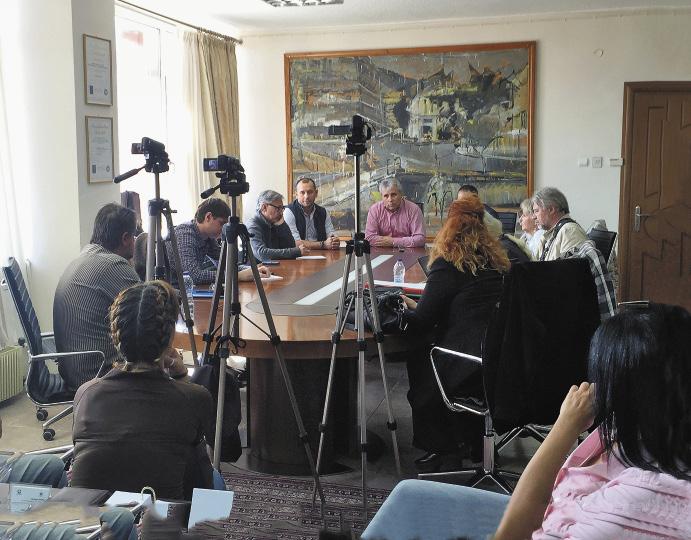 Приезд московских журналистов вызывал в каждой префектуре повышенный интерес коллег.